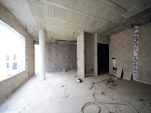 Buc de un local y tres pisos en Manacor