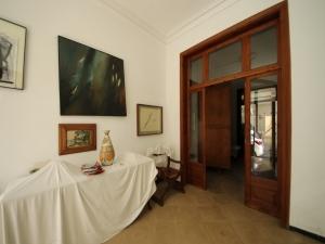 Casa de 219 metros, en Manacor, zona céntrica con garaje.