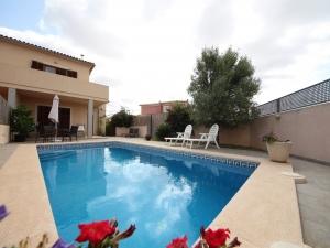 Magifico chalet con piscina a las afueras del pueblo de Porreres en pleno corazón de Mallorca.