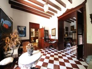 Casa señorial con un jardín de 230m2 y diversas terrazas en Manacor