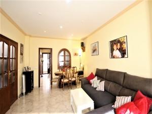 Casa de 4 plantas con jardin y garaje en Son Servera
