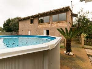 Finca con mucho encanto lista para entrar a vivir en zona tranquila de Sant Llorenç.
