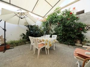 Casa con mucho encanto en Colonia Sant Pere a 2 minutos del paseo marítimo.