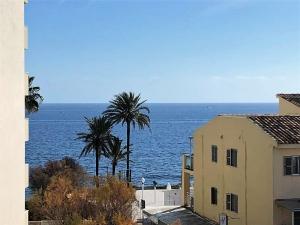 Piso en venta Cala Bona con vistas al mar