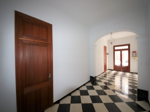 Planta baja con 3 dormitorios y 2 garajes, en Manacor