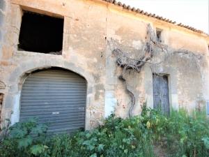 Casa a reformar en Ses Salines con Aprox. 236 m2.