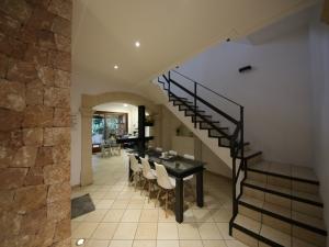 Casa 4 dormitorios con garaje en Porreras