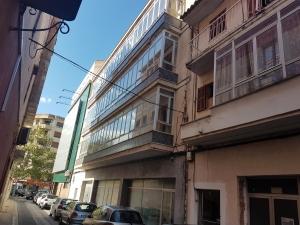 Local y pisos en Manacor.
