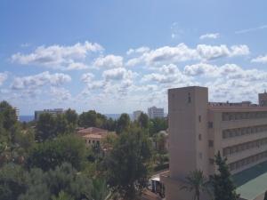 Estudio en Cales de Mallorca con piscina y vistas al mar