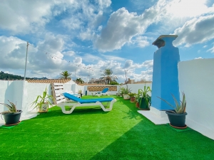 Casa con jardin y varias terrazas soleadas en Felanitx