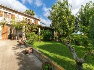 Casa de campo con jardín y terrazas en Manacor