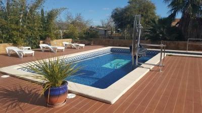 Finca rústica con piscina en Llucmajor