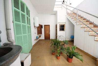 Casa en Manacor con varias terrazas soleadas.