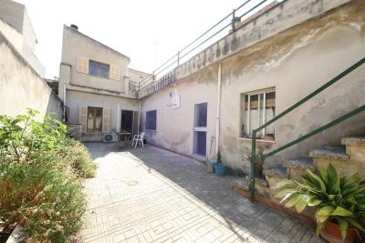 Casa en el centro de Petra con patio y terraza amplia
