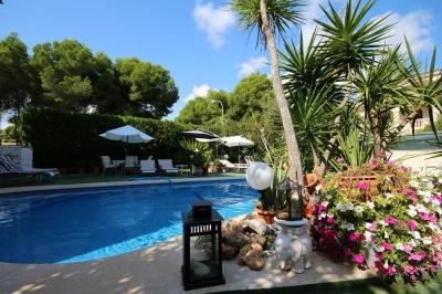 Gran Chalet con Piscina y Apartamento independiente en Cala Ratjada