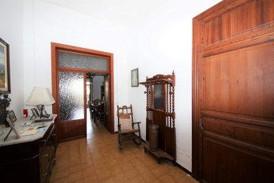 Casa con amplio garaje, salida dos calles en Manacor