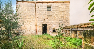 Casa en Manacor con gran patio y cochera